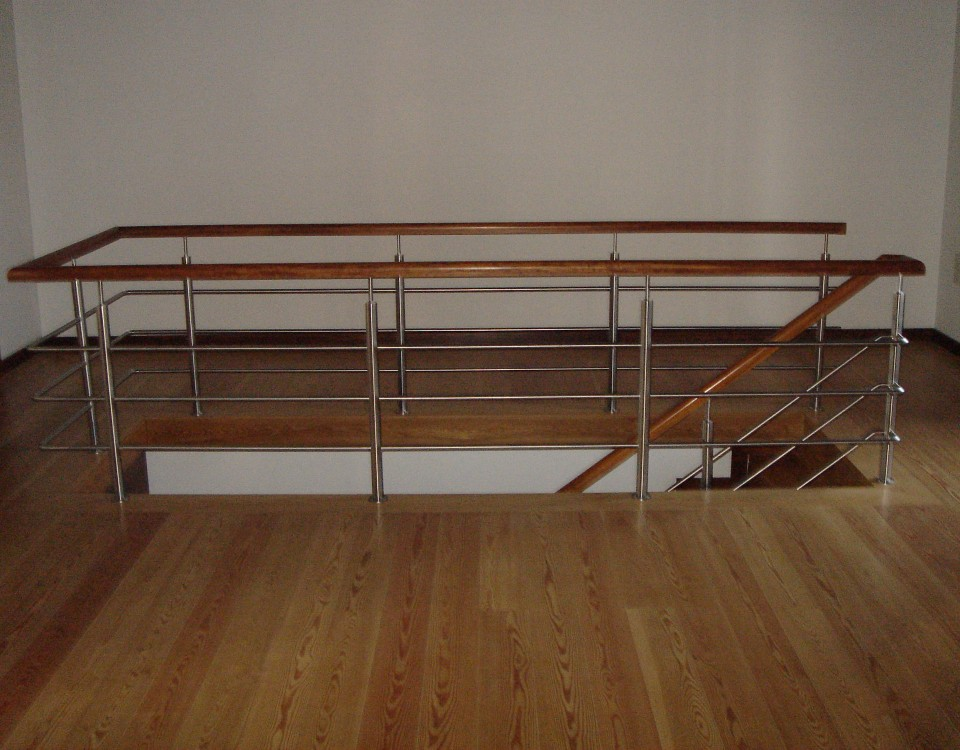 Escadas em madeira, Estruturas para Escadas, Guardas de Escada